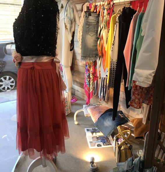 La Marimandona-faldas